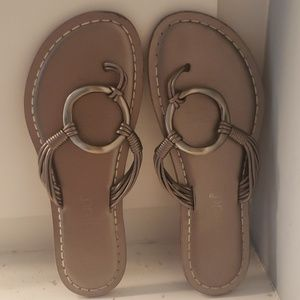 USED Bernardo silver o-ring leather sandal